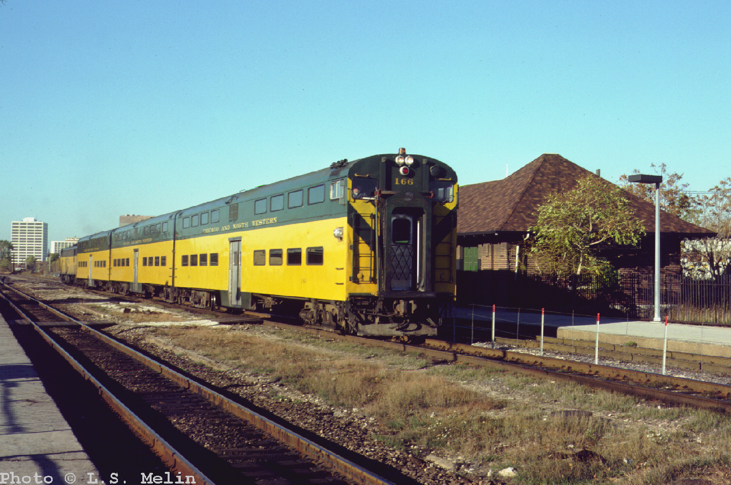 Passenger trains of the chicago and north western railway